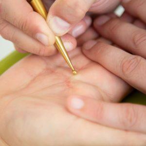 Das Präzisionswerkzeug Hand